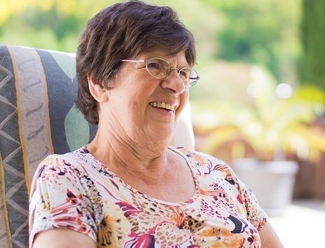 gum disease increases cancer risk in older women