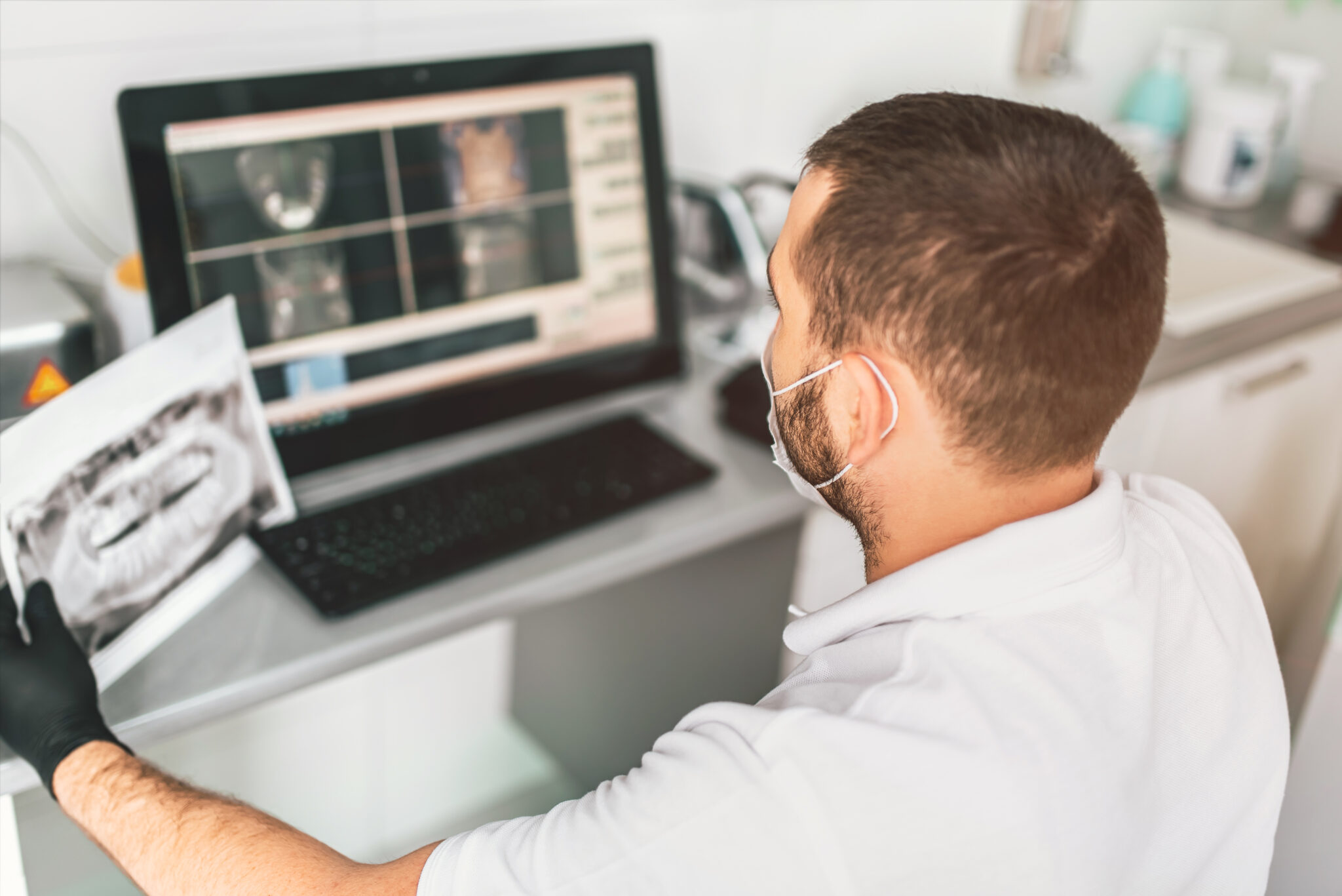 WHY DOES MY DENTIST TAKE X-RAYS?